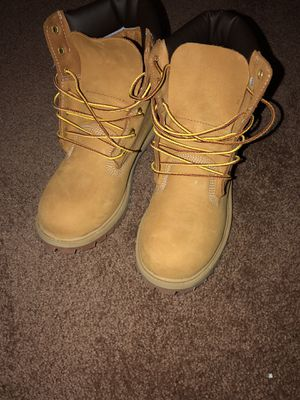 Fresh timberlands size 5.5 for Sale in East Riverdale, MD