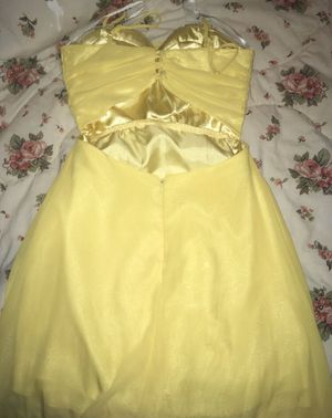Yellow prom dress, brand: B. Darlin for Sale in Wendell, NC