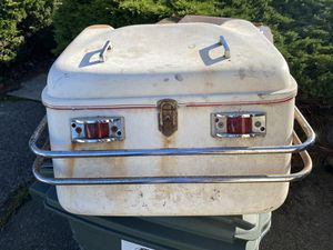 FREE! Old school vintage motorcycle top case trunk FREE! for Sale in Tacoma, WA