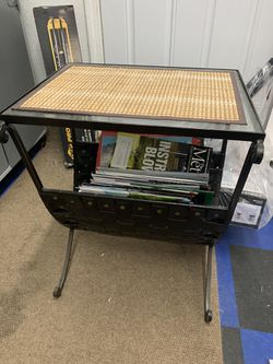 Magazine rack for Sale in Bothell,  WA