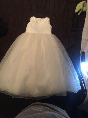 Size 4T flower girl dress for Sale in Philadelphia, PA