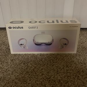 Oculus Quest 2 — Advanced All-In-One Virtual Reality Headset — 64 GB for Sale in Dublin, CA