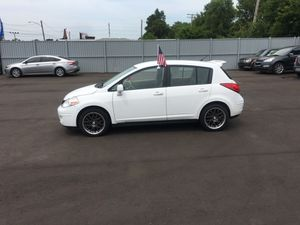 2009 Nissan Versa hatchback for Sale in Detroit, MI