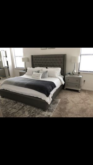 King Bedroom Set for Sale in Tampa, FL