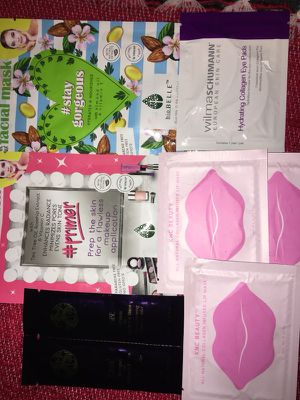 Mask bundle face lips and eyes Great stocking stuffer's for Sale in Hollister, CA
