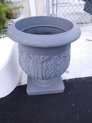 Pedestal Flower Pot for Sale in Edison, NJ