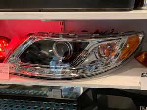 International Durastar, School Bus Headlamps with LED stripe for Sale in Alsip, IL