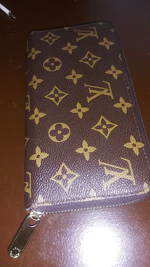 Louis vutton wallet for Sale in Addison, TX