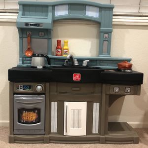 Step2 Kitchen for Sale in Fullerton, CA