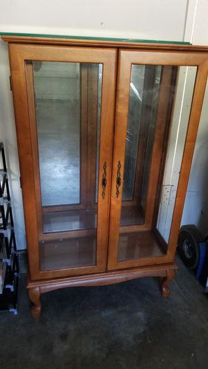 Curio cabinet for Sale in Brea, CA