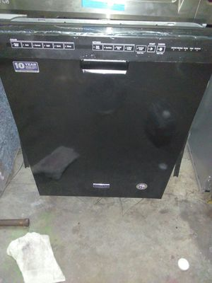 Black Maytag dishwasher for Sale in Los Angeles, CA