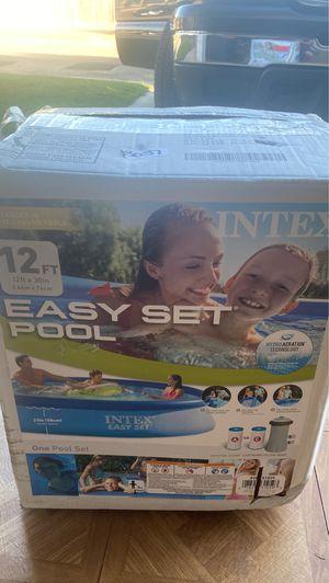 Intex easy set pool for Sale in Dinuba, CA