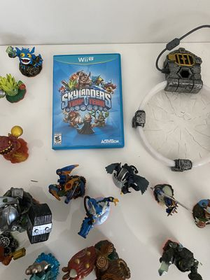 Nintendo Wii U skylanders trap team bundle with 20 figures included! for Sale in Glendale, CA