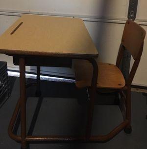 Kids School desk for Sale in Kirkwood, NJ