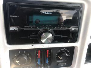 2005 Chevy Silverado 2wd 1500 for Sale in Port Allen, LA