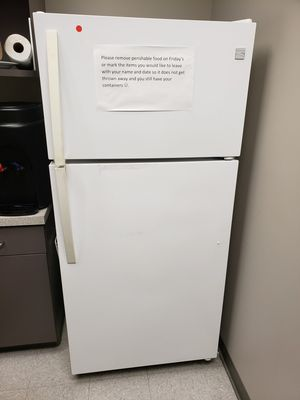 Kenmore refrigerator with ice maker for Sale in Carlsbad, CA