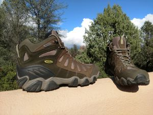Oboz Sawtooth mid hiking boots for Sale in Payson, AZ
