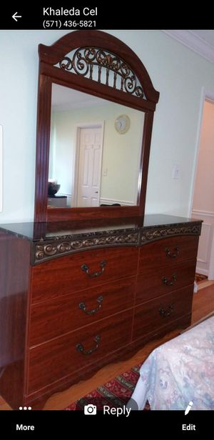 queen bedroom set for Sale in Falls Church, VA