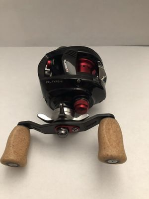 1 Diawa PXL Type R Left-Handed Fishing Reel for Sale in Chandler, AZ
