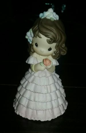 PRECIOUS MOMENTS QUINCEÑERA PORCELAIN FIGURINE for Sale in Los Angeles, CA