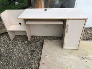 Free desk for Sale in Chesterland, OH