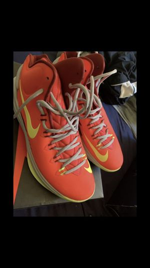 NIKE KD V BASKETBALL SHOES SIZE 11 for Sale in New York, NY