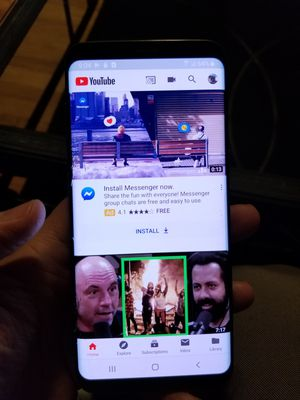 Samsung galaxy s8 (crack on screen) unlocked works perfect for Sale in Yonkers, NY