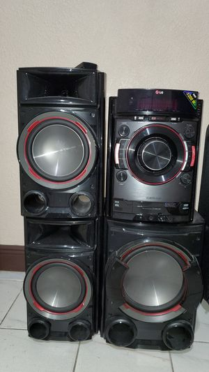 LG Stereo System Bluetooth CD USB for Sale in Miami, FL