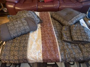 KING SIZE. Bedspreads with shams. Pre-owned A1 for Sale in Las Vegas, NV