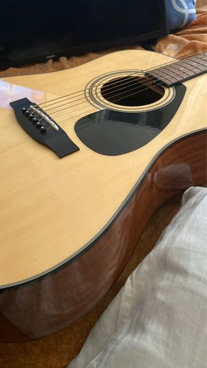 Acoustic yamaha guitar 🎸 for Sale in Meriden, CT