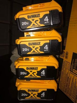 FOUR Dewalt 20v 4.0 Batteries for Sale in Las Vegas, NV