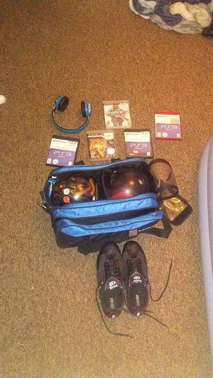 Bowling balls w/bag and shoes size 11 1/2M, 5 ps3 games and a pair of wireless headphones for Sale in Pittsburgh, PA