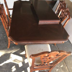 Table And China Cabinet for Sale in The Colony, TX