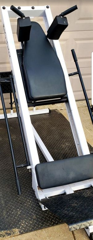 LEG PRESS HACK SQUAT MACHINE FITS 2 INCH OLYMPIC WEIGHT PLATES IN GREAT CONDITION for Sale in Saginaw, TX