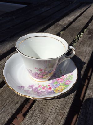 Colclodough China tea cup/saucer England for Sale in Scappoose, OR