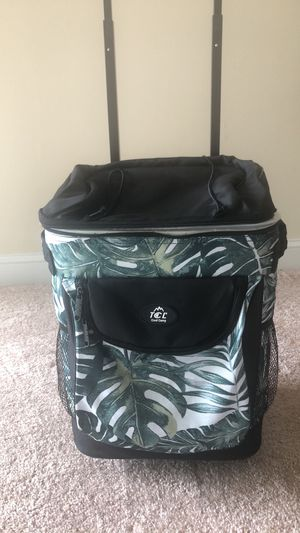 Cooler - Soft sided with wheels for Sale in Alexandria, VA