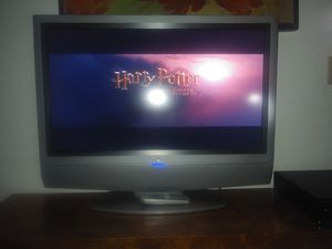 W 32 inch TV for Sale in Portland, OR