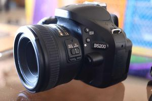 Nikon D5200 Professional Camera with 2 lenses. 1 of 50mm and 1 of 18-35mm for Sale in Hawthorne, CA