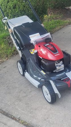 Honda Hrx217vya Self Propelled Lanw Mower With Blade Control Brand New In Box Nueva En Caja for Sale in Houston,  TX