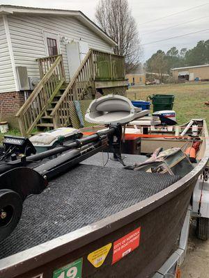 Jon boat 14' V for Sale in Corapeake, NC