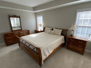 Harden Cherry Bedroom Set - King size for Sale in Apex, NC