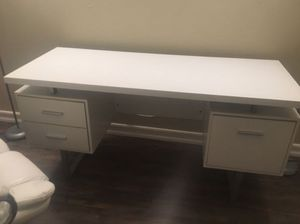 White Desk With Drawers for Sale in San Diego, CA
