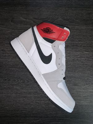 Jordan 1 Retro High Light Smoke Grey (GS) Size 5.5Y for Sale in Arlington, TX