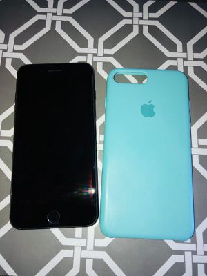 iPhone 8 Plus like new for Sale in Redwood City, CA