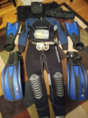 High dollar scuba wet suit with extras size xl for Sale in Nashville, TN