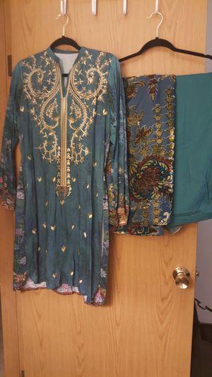 Indian/Pakistani linen 3 piece Salwar Kameez velvet shawl duppatta for winter for Sale in Lynnwood, WA