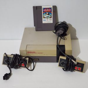 Nintendo NES Console For Parts Or Repair 2 Controllers RF Switch and Monopoly for Sale in La Grange, IL
