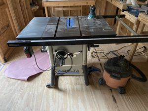 $425 - DELTA 10incb CONTRACTORS TABLE SAW for Sale in Tomball, TX