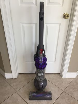 DYSON DC50 Animal Ball Compact Bagless Upright Vacuum for Sale in Pembroke Pines, FL