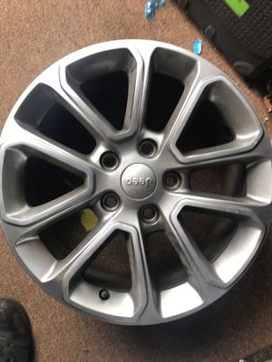 "Jeep Grand Cherokee wheel 18"" 2014 for Sale in Farmingdale, NY"